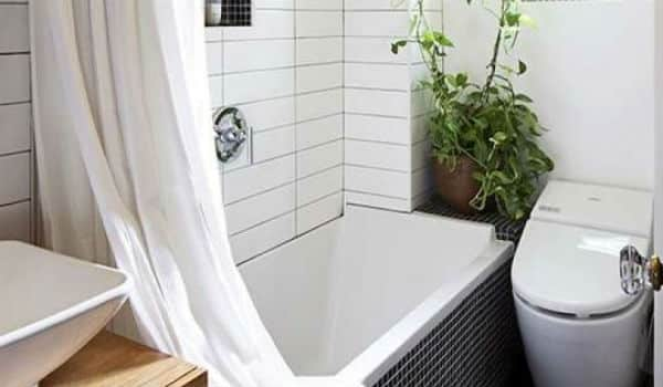 kamar mandi sempit